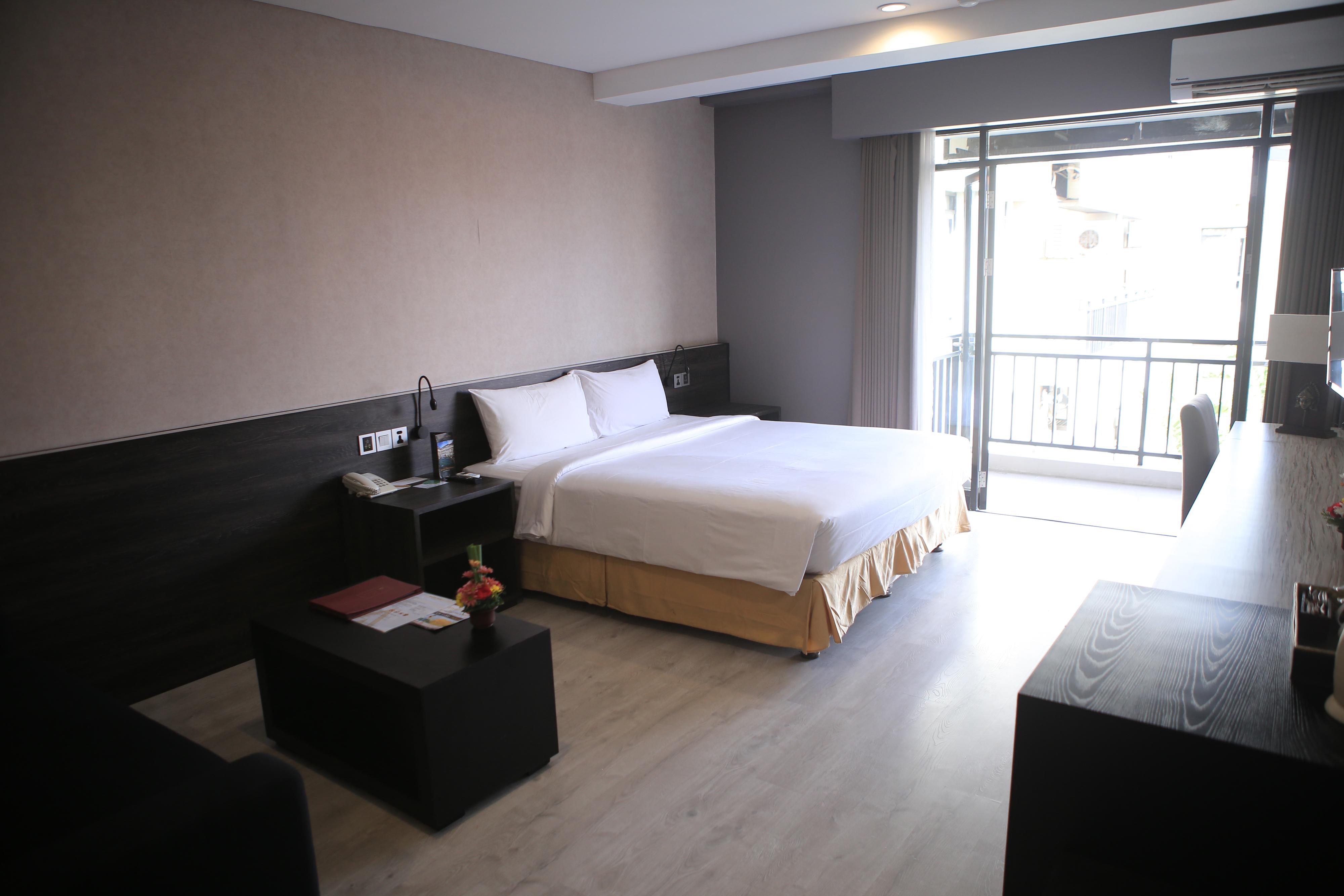 Grand Studio – Room Only
